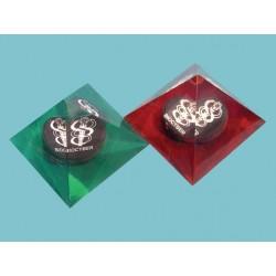 Pirámide magnética para jarra de agua